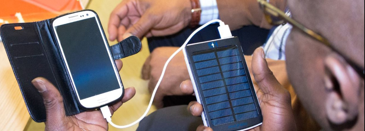 Solar-power-bank-10000mah-from-HetoGrow